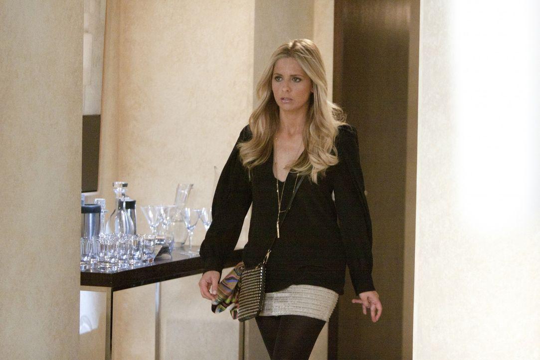 Steckt mal wieder in der Zwickmühle: Bridget (Sarah Michelle Gellar) - Bildquelle: 2011 THE CW NETWORK, LLC. ALL RIGHTS RESERVED