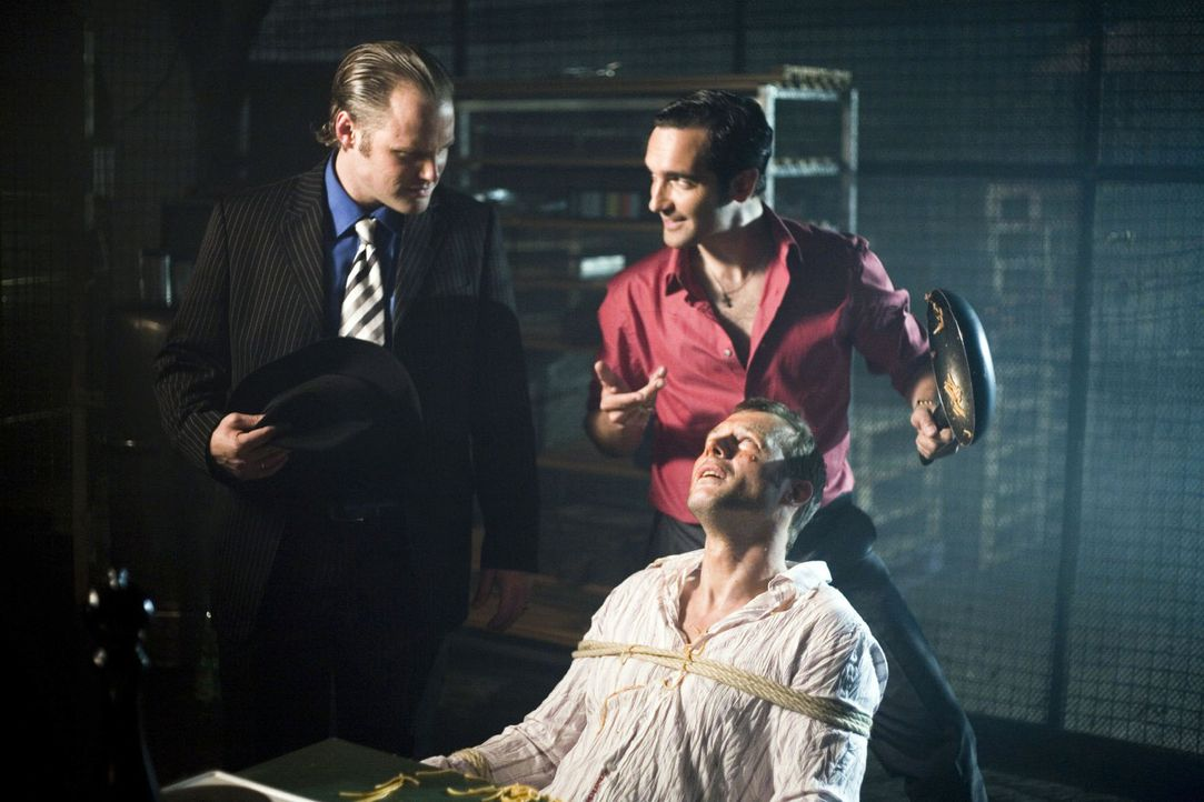 Was ist wohl für die Mafiosi Vittorio und Paolo die beste Methode, um ein verräterisches Mitglied der Familie zügig zum Reden zu bringen? Na logisch... - Bildquelle: Guido Engels Sat.1