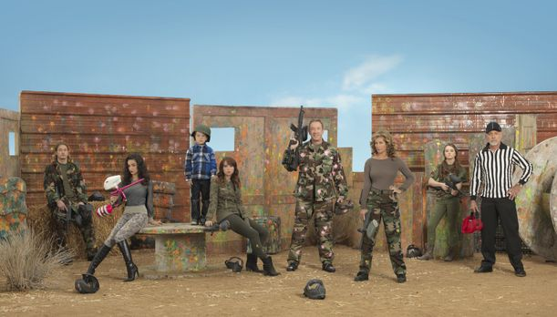 Last Man Standing - (3. Staffel) - Bei Mike (Tim Allen, 4.v.r.), Vanessa (Nan...