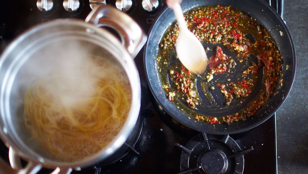 - Bildquelle: 2010 Jamie Oliver Enterprises Limited. Photography: David Loftus