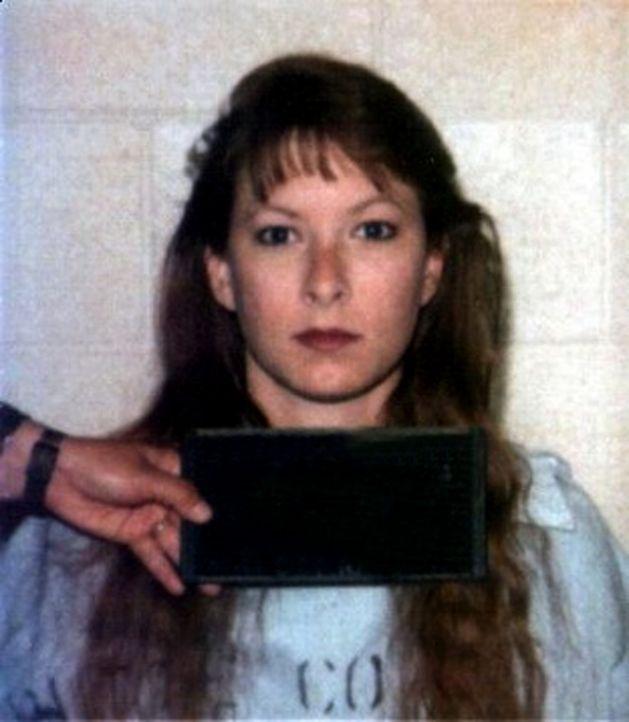 Als Cynthia Coffman einem Kriminellen verfällt, lässt sie sich von ihm sogar zu Morden hinreißen ... - Bildquelle: 2013 NBCUniversal ALL RIGHTS RESERVED.