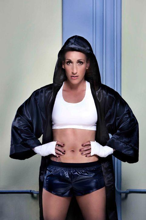 Kickbox-Weltmeisterin Julia Irmen steigt wieder in den Ring, um ihren WM-Titel zu verteidigen. Im Münchner Circus Krone tritt sie gegen Ielo Page au... - Bildquelle: Michael Wilfling kabel eins