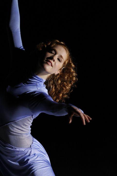 Eines Tages hat die talentierte und begeisterte Eiskunstläuferin Lexi (Taylor Firth) einen schrecklichen Unfall, der ihr bisheriges Leben infrage s... - Bildquelle: 2010 Stage 6 Films, Inc. All Rights Reserved.