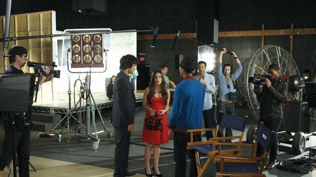 Navid und Dixon drehen ein Musikvideo in den alten Studios von Navids Dad. Si...