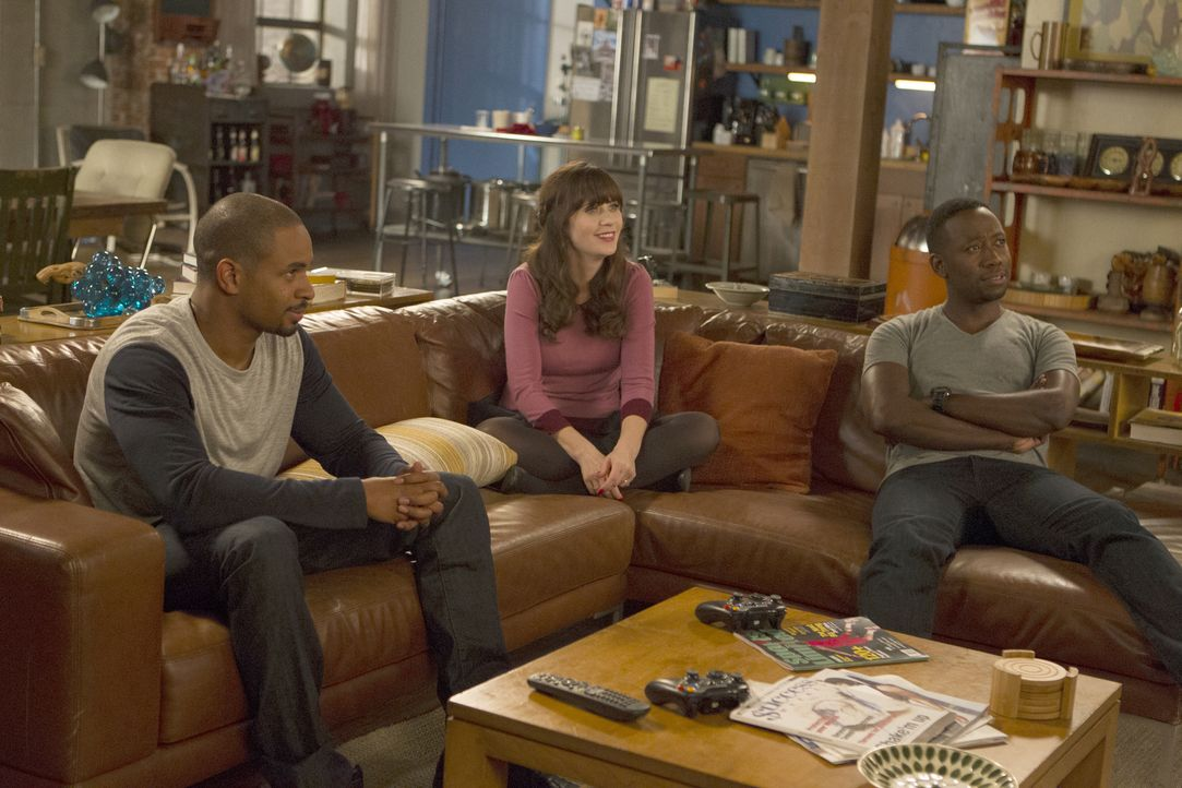 Investieren in die Zukunft: Coach (Damon Wayans Jr., l.), Jess (Zooey Deschanel, M.) und Winston (Lamorne Morris, r.) ... - Bildquelle: 2015 Twentieth Century Fox Film Corporation. All rights reserved.
