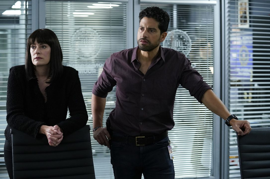 Emily Prentiss (Paget Brewster, l.); Luke Alvarez (Adam Rodriguez, r.) - Bildquelle: Cliff Lipson 2018 CBS Broadcasting, Inc. All Rights Reserved/ Cliff Lipson