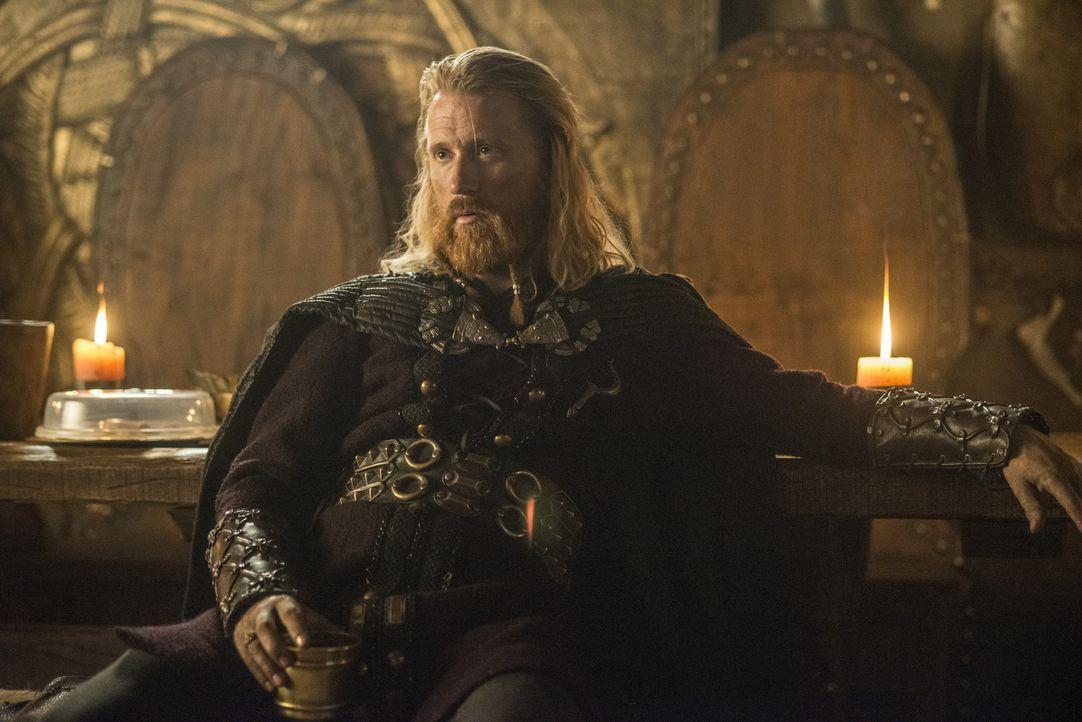 Ist überrascht, als er mitbekommt, dass Ragnar seinen Bruder Rollo vergeben und ihn wieder in seine Familie aufgenommen hat: Jarl Borg (Thorbjorn Ha... - Bildquelle: 2014 TM TELEVISION PRODUCTIONS LIMITED/T5 VIKINGS PRODUCTIONS INC. ALL RIGHTS RESERVED.