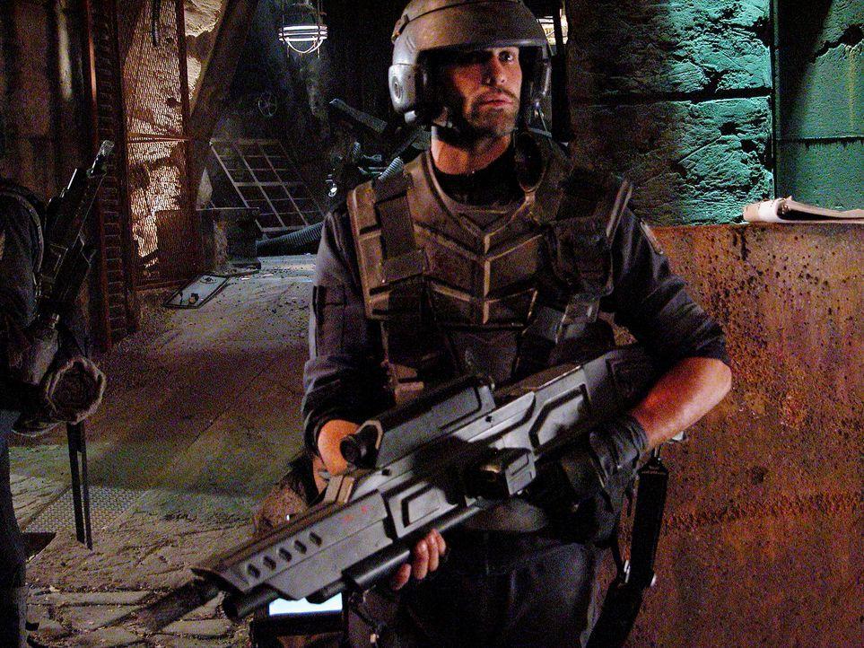 Käferalarm: Captain Dax (Richard Burgi) ... - Bildquelle: Sony Pictures