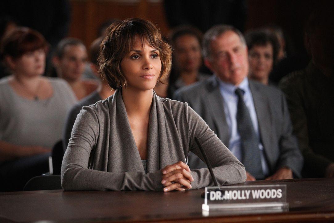 Molly (Halle Berry) ist geschockt, als sie von der Affäre ihres Mannes erfährt. Wird sich jetzt alles ändern? - Bildquelle: Sonja Flemming 2015 CBS Broadcasting Inc. All Rights Reserved.