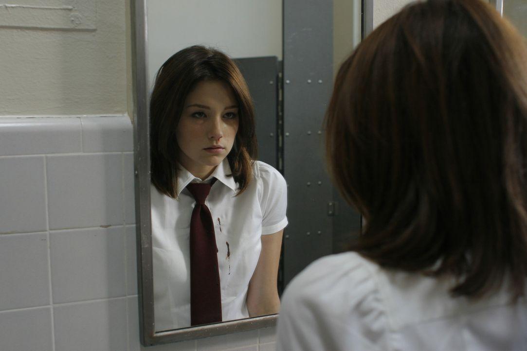 Blutige Visionen quälen die 17-jährige Molly (Haley Bennett), deren Mama nach einem Mordversuch an der Tochter in der Psychiatrie hockt ...