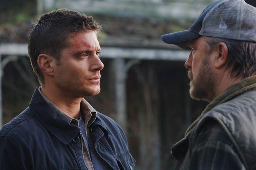 Supernatural - 30 Stunden bevor Deans (Jensen Ackles, l.) Deal endet, suchen...
