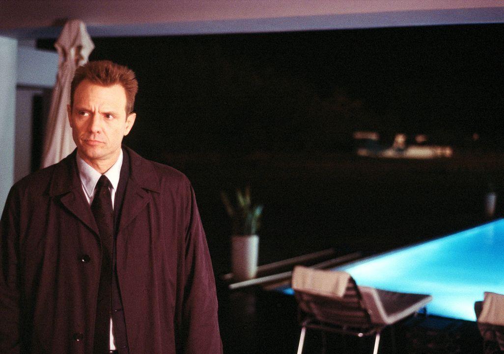 Zwischen Pflicht und Loyalität: Detective Macy Kobacek (Michael Biehn) ... - Bildquelle: ApolloMedia