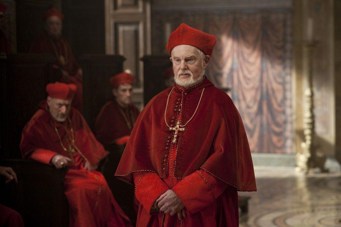 Kardinal Orsini (Derek Jacobi) hegt einen mörderischen Plan, der voll daneben geht ... - Bildquelle: LB Television Productions Limited/Borgias Productions Inc./Borg Films kft/ An Ireland/Canada/Hungary Co-Production. All Rights Reserved.