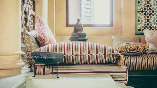 orientalische deko ideen f rs wohnzimmer sat 1 ratgeber. Black Bedroom Furniture Sets. Home Design Ideas