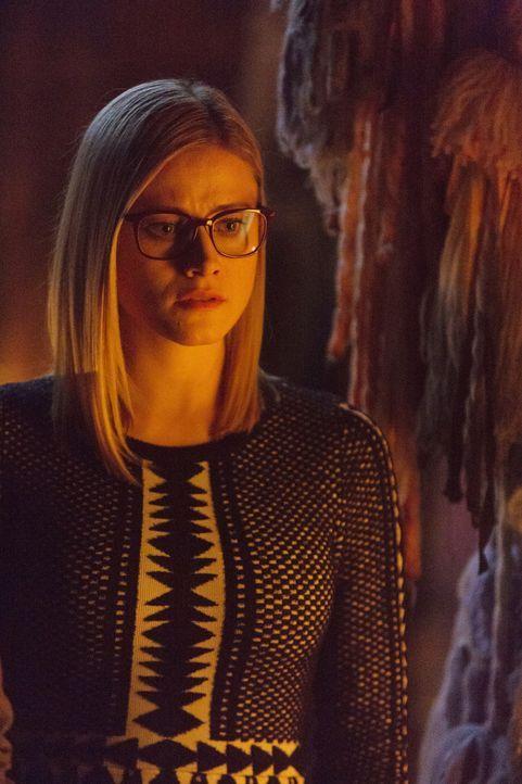 Eliot muss eine Entscheidung treffen, die sein ganzes Leben beeinflussen könnte. Unterdessen will Quentin Alice (Olivia Taylor Dudley) im Kampf gege... - Bildquelle: 2015 Syfy Media Productions LLC. ALL RIGHTS RESERVED.