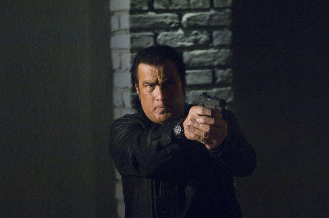 Schlägt gnadenlos zurück: Marshall Lawson (Steven Seagal) ... - Bildquelle: Sony Pictures Home Entertainment