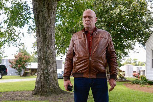 Under the Dome - Mit ihm ist nicht zu spaßen: Big Jim (Dean Norris) ... - Bil...