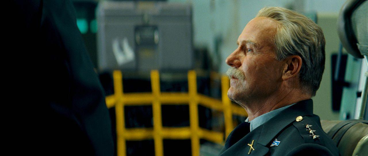 """Er will das Geheimnis von Banners Mutation für militärische Zwecke nutzen: """"Thunderbolt"""" Ross (William Hurt) ... - Bildquelle: 2008 Marvel Entertainment, Inc. And ist subsidiaries. All Rights Reserved."""