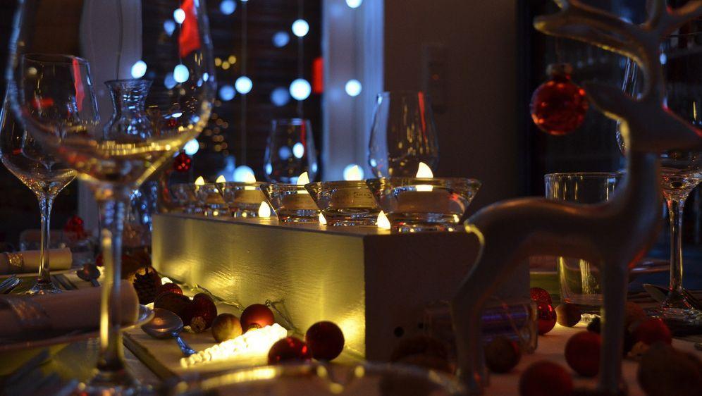 Tisch Weihnachtlich Dekorieren Ideen Mit Kerzen Sat1 Ratgeber