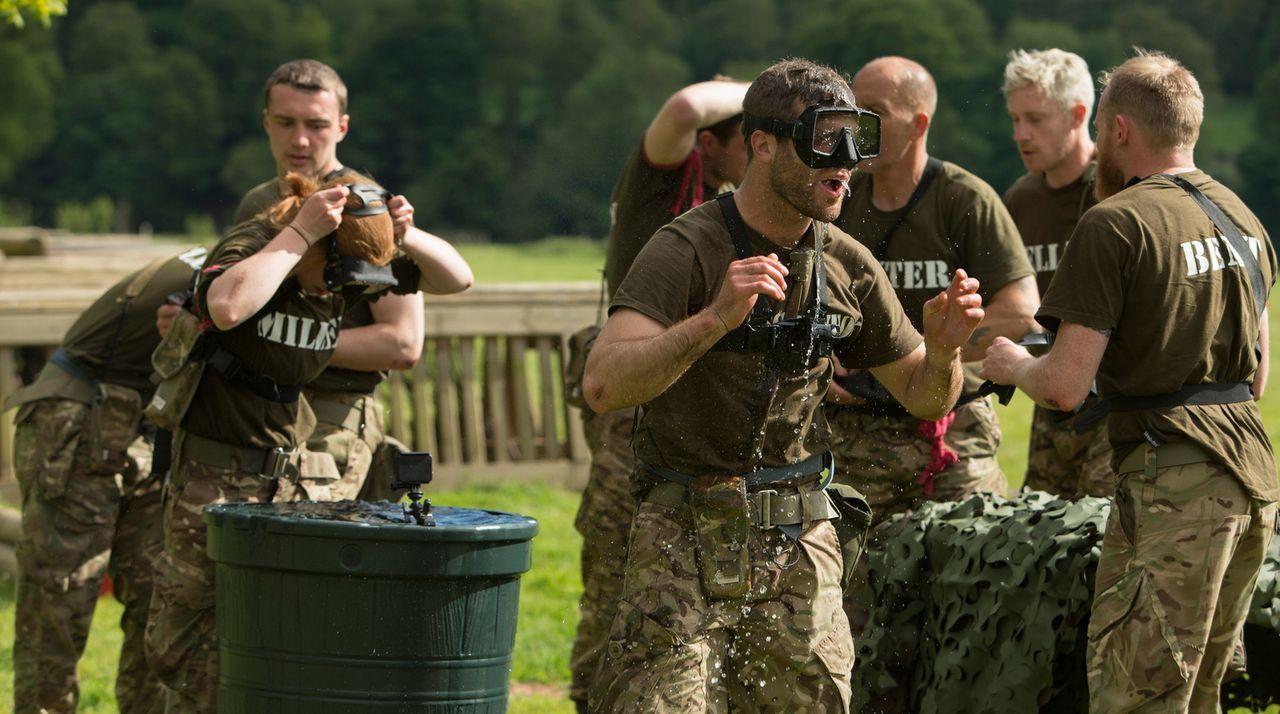 Einmal durch die Hölle und zurück: 29 taffe Briten durchlaufen die Testprogramme von fünf der härtesten Armee-Einheiten der Welt. Sie müssen zeigen,... - Bildquelle: Adrian Rogers 2015 BBC