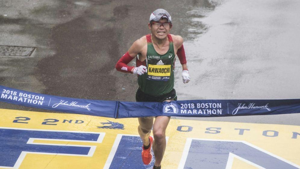 Yuki Kawauchi erhielt nach Marathonsieg Sonderurlaub - Bildquelle: AFPSIDRYAN MCBRIDE