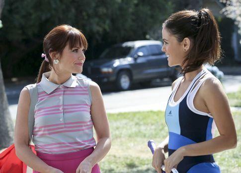 Hart of Dixie - Zoe (Rachel Bilson, r.) freut sich sehr, ihre Cousine Vivian...