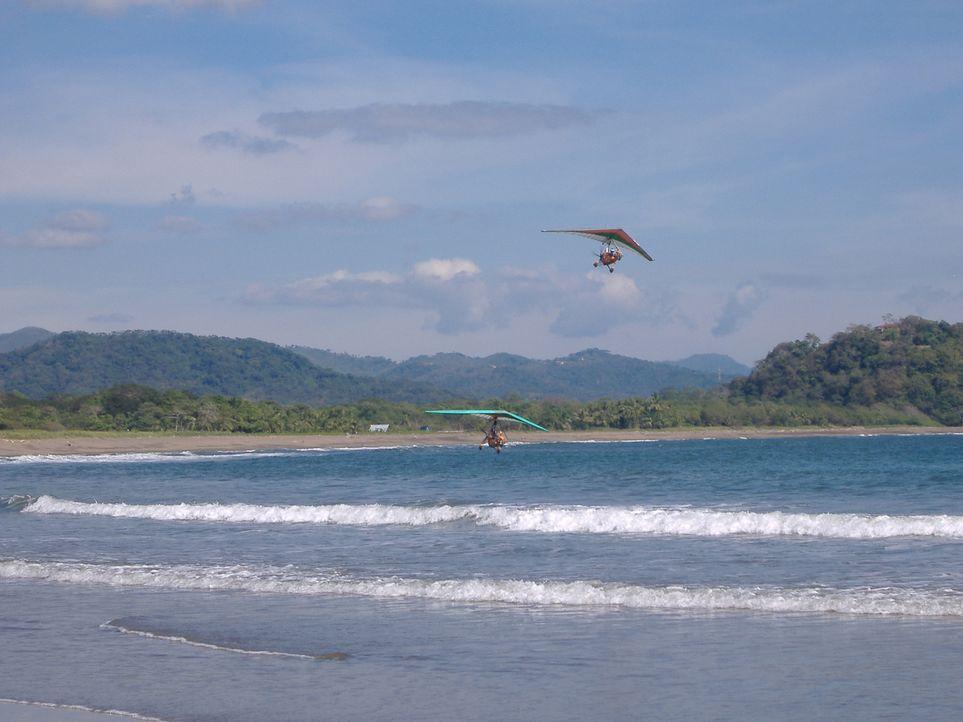Der ehemalige Lufthansa Pilot Guido hat sich in Costa Rica seinen Traum erfüllt und eine Hotelanlage inklusive Flugschule eröffnet. Außerdem biet... - Bildquelle: kabel eins