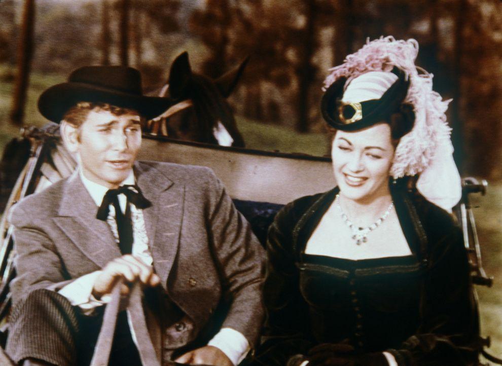 Little Joe Cartwright (Michael Landon, l.) hat sich in die attraktive Lotta (Yvonne De Carlo) verliebt. - Bildquelle: Paramount Pictures
