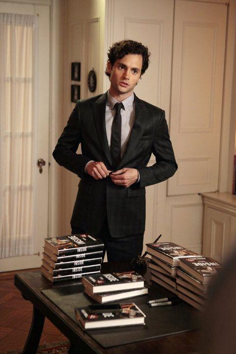Versammelt seine Freunde und Familie um ihnen von seinem Buch zu erzählen: Dan (Penn Badgley) ... - Bildquelle: Warner Bros. Television