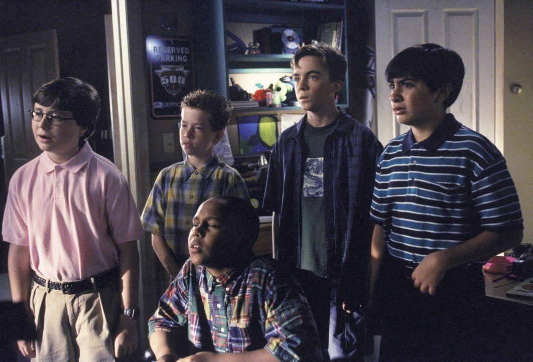 (v.l.n.r.) Lloyd (Evan Matthew Cohen), Eraserhead (Will Jennings), Stevie (Craig Lamar Traylor), Malcolm (Frankie Muniz) und Dabney (Kyle Sullivan)... - Bildquelle: TM +   2000 Twentieth Century Fox Film Corporation. All Rights Reserved.