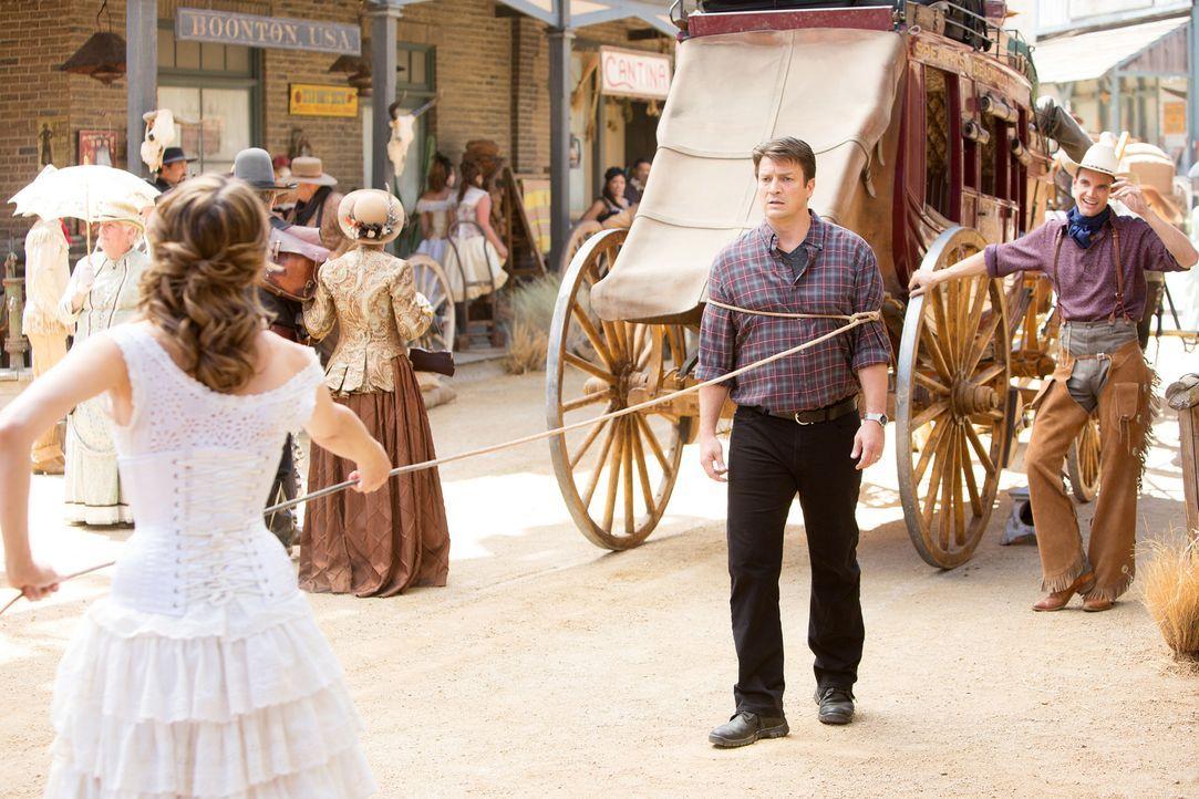 Flitterwochen der ganz besonderen Art warten auf Castle (Nathan Fillion, r.) und Beckett (Stana Katic, l.) ... - Bildquelle: ABC Studios