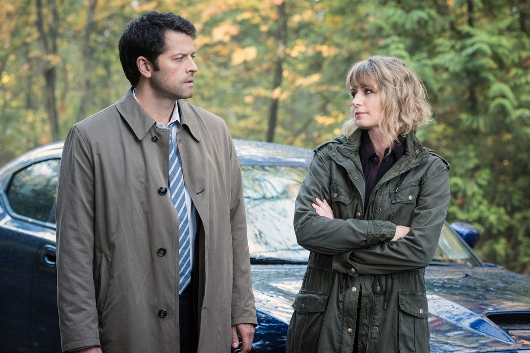Castiel (Misha Collins, l.); Mary (Samantha Smith, r.) - Bildquelle: Dean Buscher 2016 The CW Network, LLC. All Rights Reserved/Dean Buscher