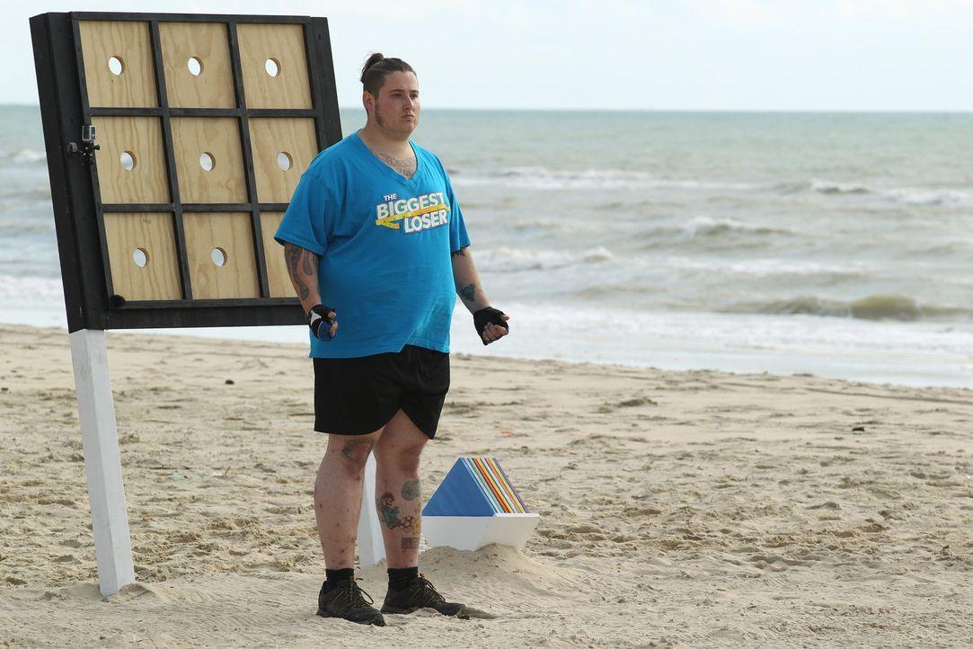 """Ein Parcourlauf steht an. Sascha und alle anderen """"Biggest Loser"""" müssen sich im weichen, kräftezehrenden Sand beweisen ... - Bildquelle: Enrique Cano SAT.1"""