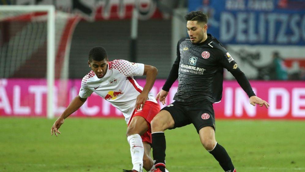 Suat Serdar unterschreibt bei Schalke 04 - Bildquelle: PIXATHLONPIXATHLONSID