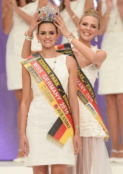 Miss-Germany-Gewinnerin-Lena-Bröder-Krone-dpa - Bildquelle: dpa