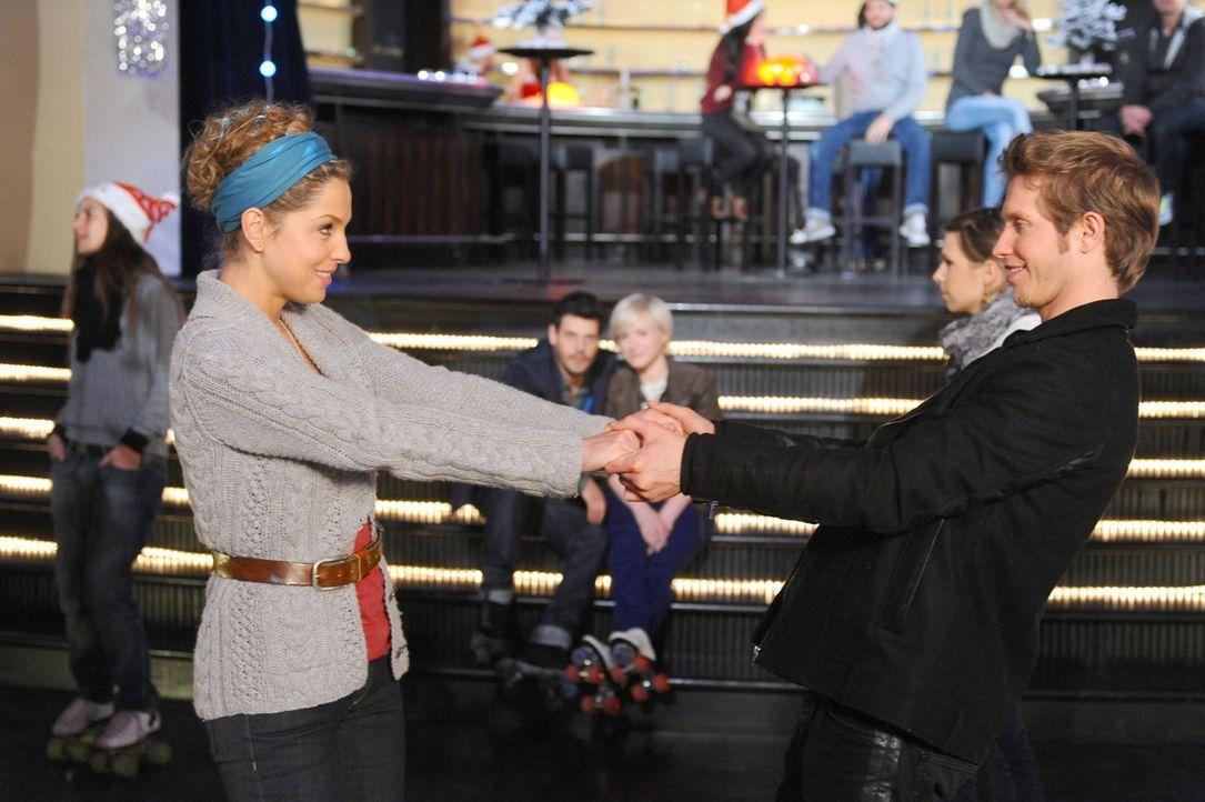 Olivia (Kasia Borek, M.r.) erkennt unglücklich, dass sie sich und Luca in eine Sackgasse manövriert hat: Kann Luca (Manuel Cortez, M.l.) ihr bewei... - Bildquelle: SAT.1