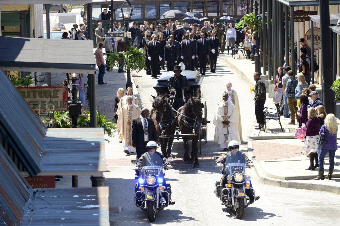 Nach dem Tod von Pater Kieran hat das French Quarter mit noch größeren Schwierigkeiten zu tun als vorher ... - Bildquelle: Warner Bros. Television