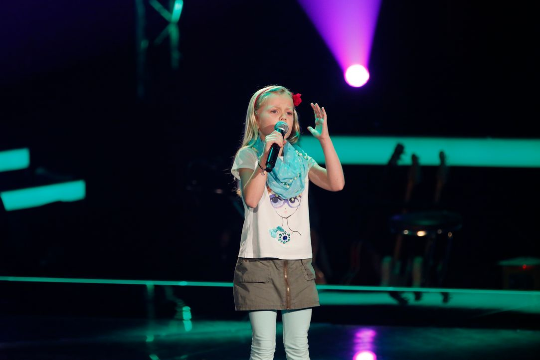 The-Voice-Kids-s03e01-Linnea-06 - Bildquelle: SAT.1/ Richard Hübner