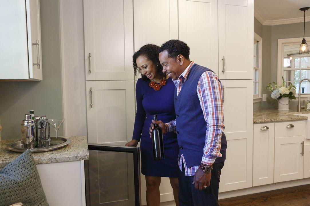 Auf der Suche nach dem perfekten Zuhause müssen sich Maria (l.) und Dave (r.) eingestehen, dass sie sich kein bezugsfertiges Haus leisten können. Wa... - Bildquelle: Jessica McGowan 2014, HGTV/Scripps Networks, LLC. All Rights Reserved