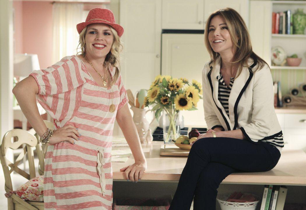 Halten zusammen: Laurie (Busy Philipps, l.) und Ellie (Christa Miller, r.) ... - Bildquelle: 2010 ABC INC.
