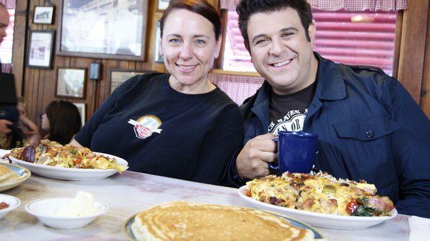 Bei seiner Suche nach dem besten Frühstück stattet Adam (r.) in Sacramento Jo...
