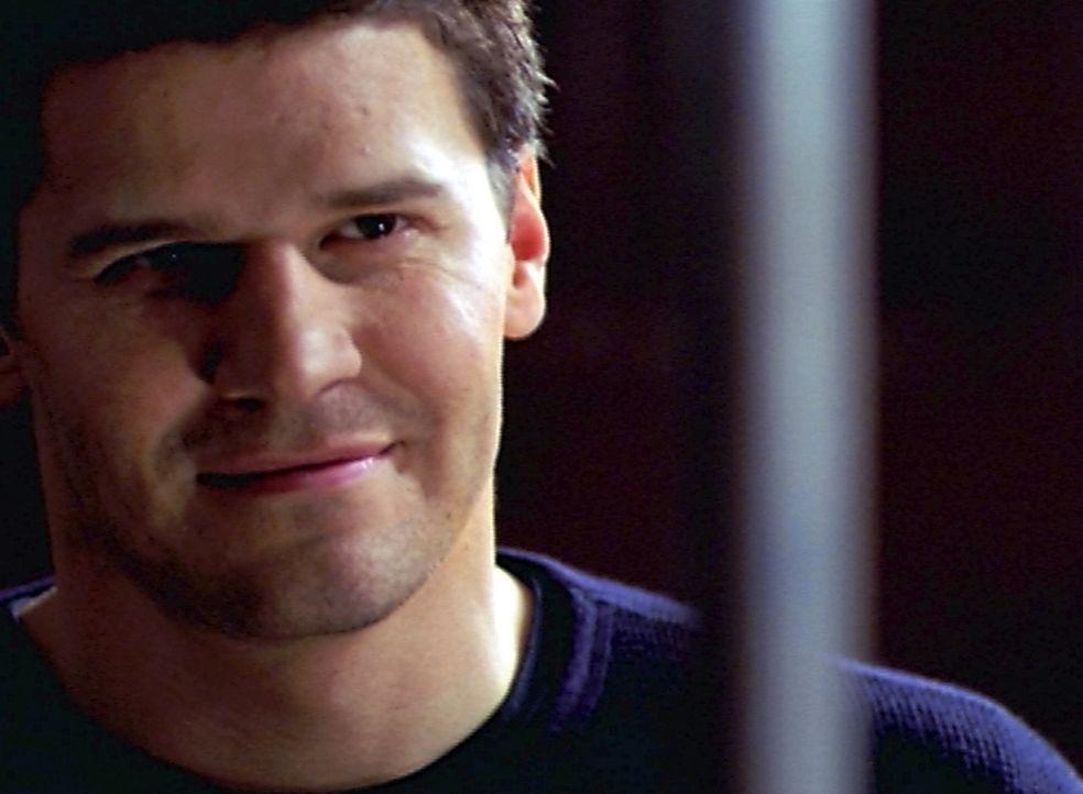 Angels Seele ist verschwunden, so dass Angelus (David Boreanaz) nicht zurückverwandelt werden kann ... - Bildquelle: The WB Television Network
