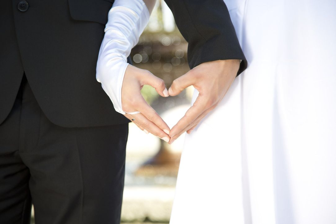 Erst die Hochzeit, dann das Kennenlernen. Ohne sich vorher je gesehen zu haben, sagten zwei Menschen auf dem Standesamt ja zueinander. Doch haben si... - Bildquelle: Benedikt Müller SAT.1