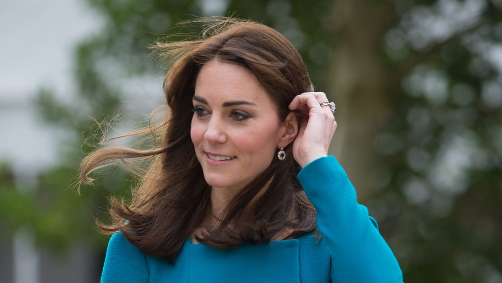 Kate Middletons Neue Frisur Queen Verlangt Konservativen Look