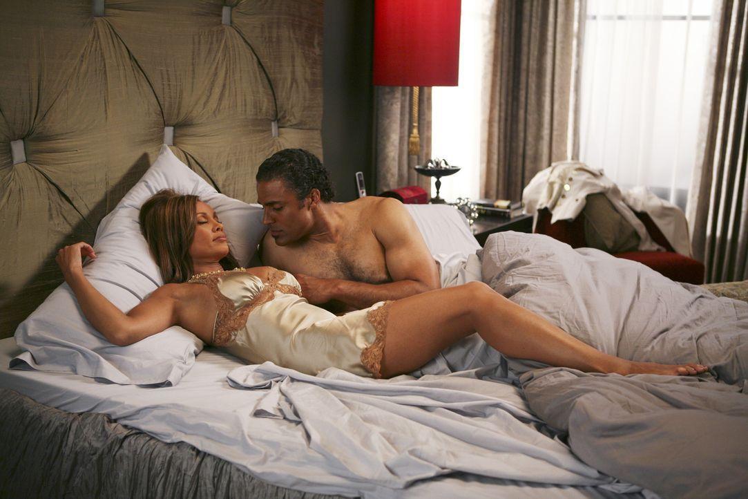 Niemand ahnt, dass Wilhelmina (Vanessa Williams) ein Verhältnis (Rick Fox) hat ... - Bildquelle: Buena Vista International Television