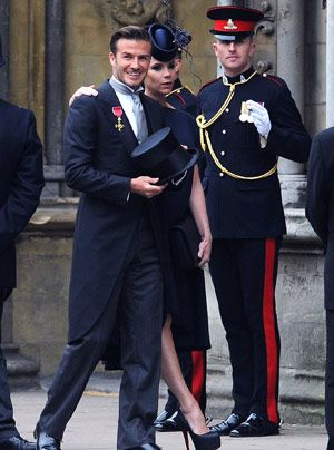 William-Kate-Gaeste-Verlass-der-Kirche-02-11-04-29-300_404_AFP - Bildquelle: AFP