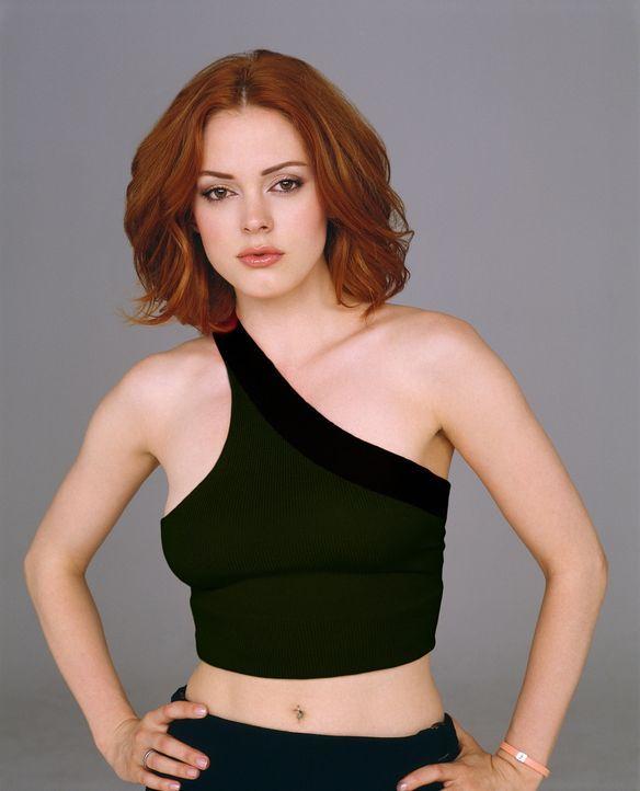 (5. Staffel) - Paige (Rose McGowan) besitzt die Fähigkeit, mittels Gedankenkraft sich selbst und andere Gegenstände von Ort zu Ort zu bewegen. - Bildquelle: Paramount Pictures