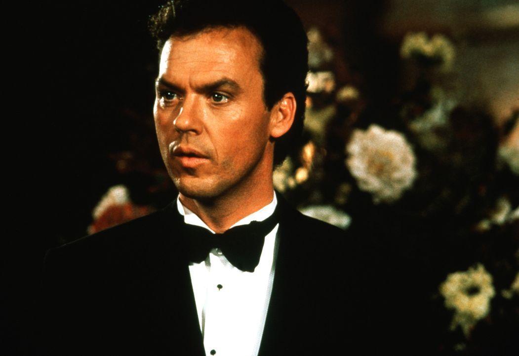Der Millionär Bruce Wayne (Michael Keaton) führt ein mysteriöses Doppelleben. - Bildquelle: Warner Bros.