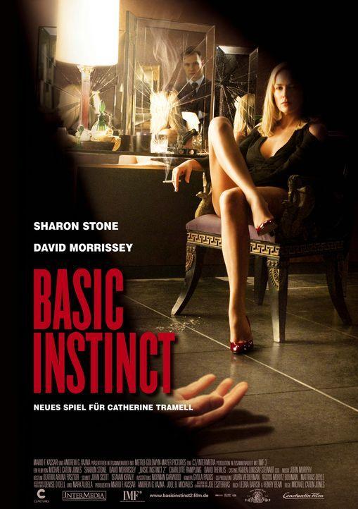 Die attraktive Kriminalliteratin Catherine Tramell (Sharon Stone) lässt San Francisco hinter sich und siedelt nach London über. Kaum dort angekommen... - Bildquelle: Constantin Film