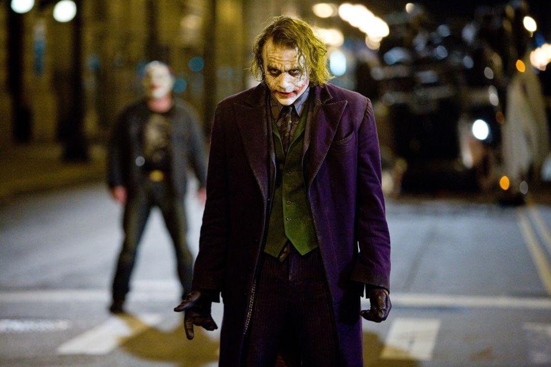 Will die Welt brennen sehen: der Joker (Heath Ledger) ... - Bildquelle: Warner Bros.